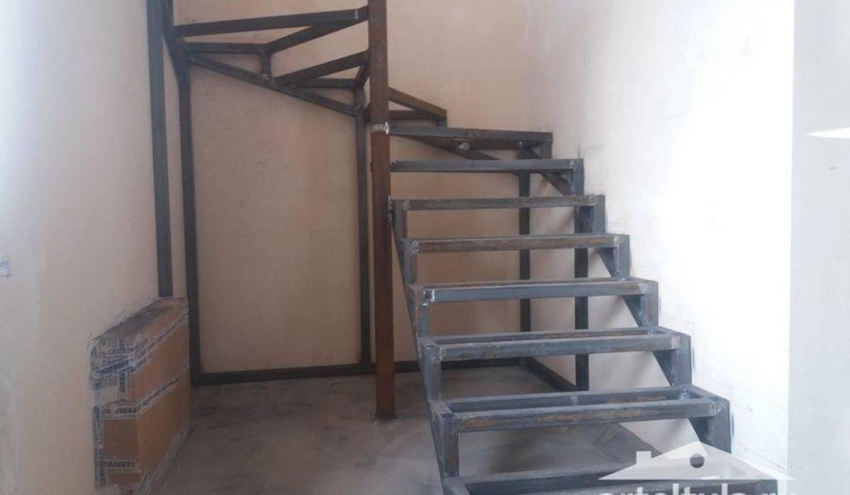 Схема и фото лестниц из металла